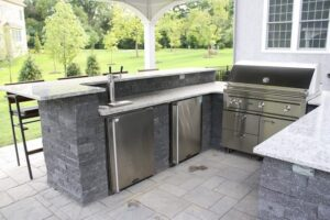 outdoor living spaces - Burkholder outdoor kitchen