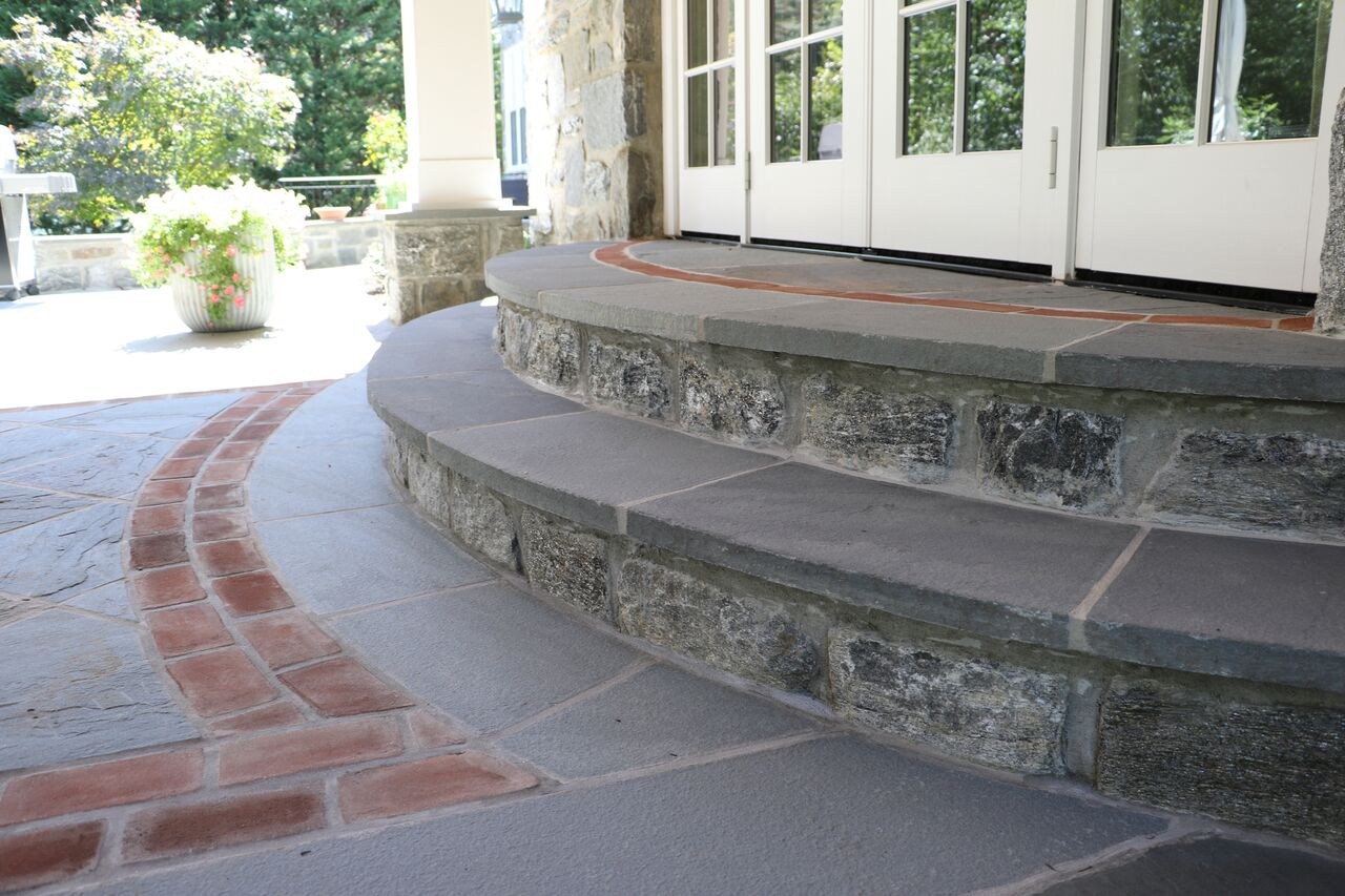 Steps: Natural Stone Riser With Flagstone Treads