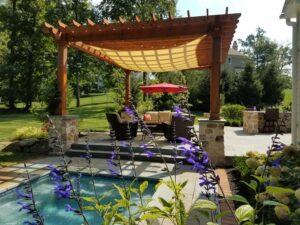 BURKHOLDER Pergola w Spa Hot Tub