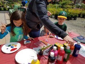 Burkholder Patio Day Crafts 800 6-3-17