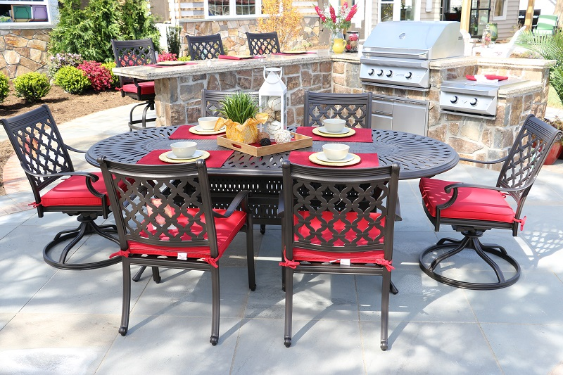 Custom built outdoor kitchens with Alfresco Florentine Table and Chairs