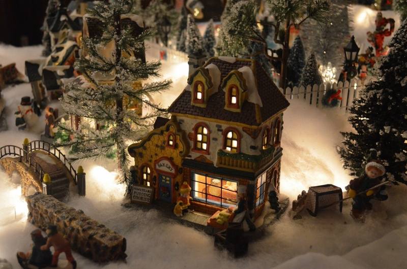 Christmas village, Pennsylvania holiday traditions, Burkholder